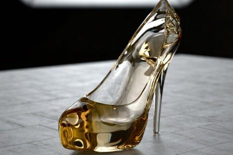 grafica-3d-rendering-scarpa-cristallo